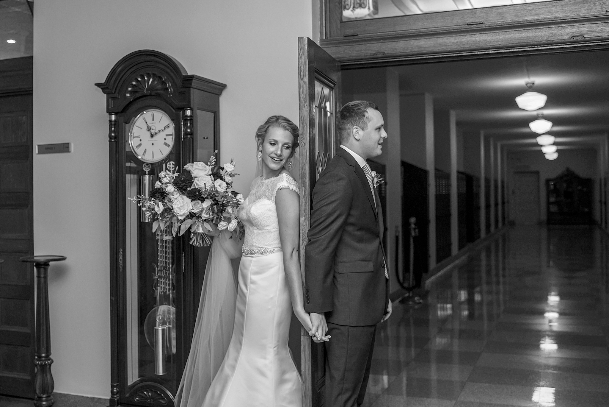 Lindsay-Adkins-Photography-Michigan-Wedding-Photographer-Nazareth-Hall-Grand-Rapids-Ohio-Wedding-35